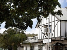 Grab A Pint And A Parmy At 9 Of The Best Old-School Pubs Around The Gold Coast