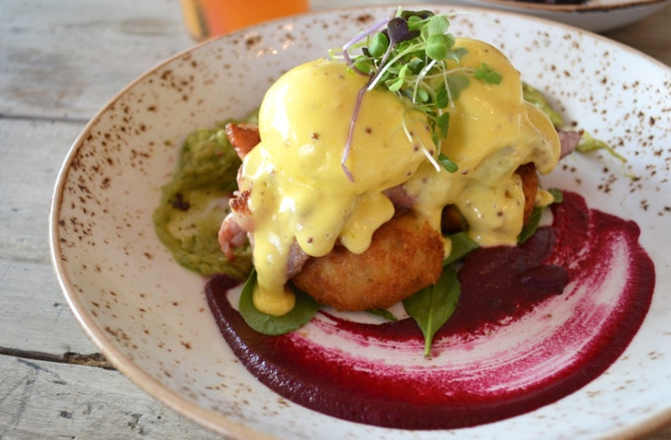 Honey Cafe Takapuna, Honey Cafe menu, Honey Cafe hours, cafes in Auckland, best places to eat in Takapuna, Atomic coffee Takapuna, all day breakfast Auckland