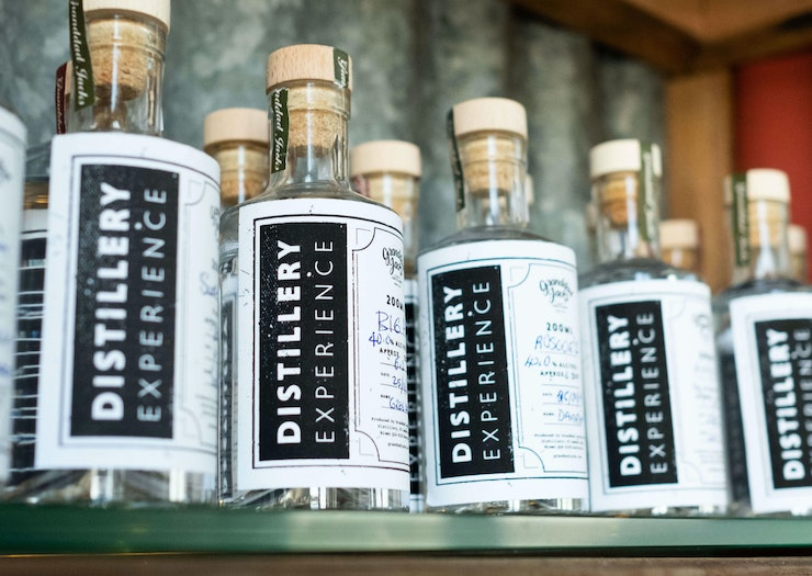 Start Sipping, Here's Where You Can Make Your Own Gin On The Coast
