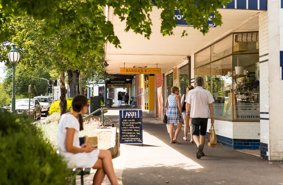 The main street of Healesville, Kitchen & Butcher store on the right.