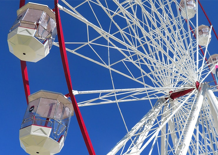 Conquer Your Fear Of Heights, Australia's Tallest Travelling Ferris Wheel Hits The Coast This Week