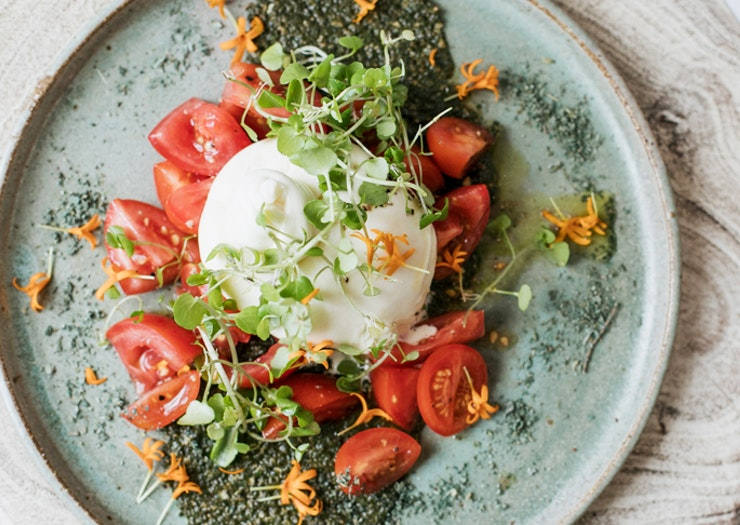 Grab A Seat At 9 Of Our Favourite Sunshine Coast Cafes For Friend Dates