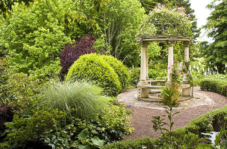 8 Gorgeous Gardens In And Around Auckland