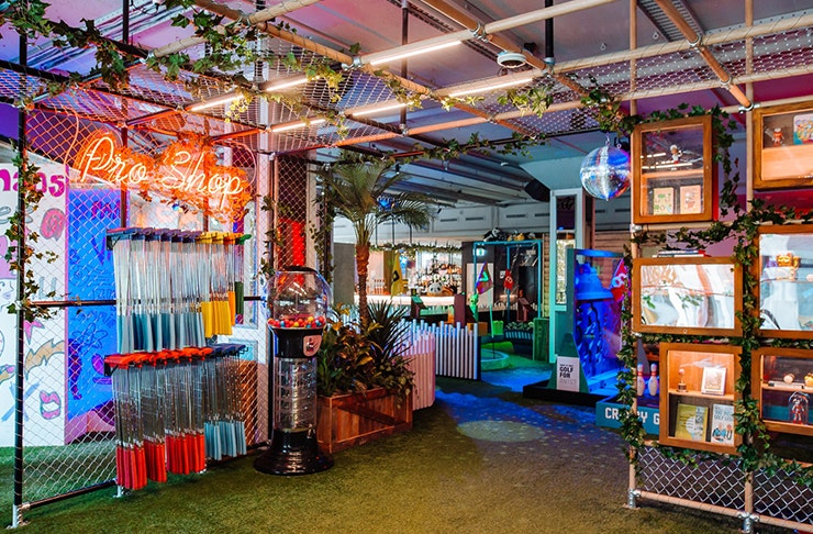 Auckland Is Getting A Mini-Golf Bar!