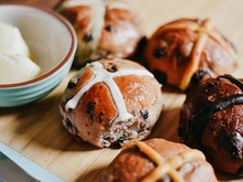 Load Up On The Sunshine Coast's Best Hot Cross Buns This Easter