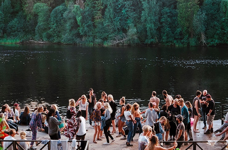 How To Throw An Epic Outdoor Party