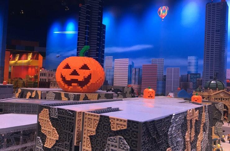 legoland-adults-night-halloween