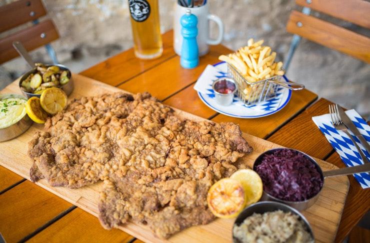 munich-brauhaus-schnitzel-challenge