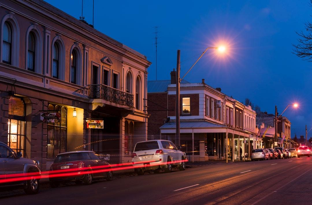 Kyneton's Piper Street at night time.