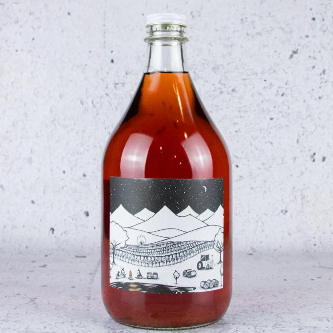 2L flagon bottle of rose